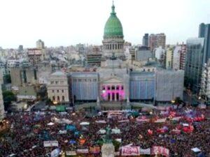 9 de marzo 2020. Las marchas para pedir por la igualdad de género y el fin de la violencia machista son masivas. Foto Mario Quinteros