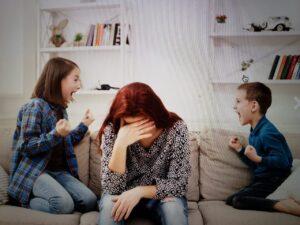 Madres sobreexigidas durante la pandemia. Foto: Shutterstock.